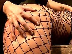 Brunette sexpot with fine ass gets her pussy fingered in hot che mack5 scene