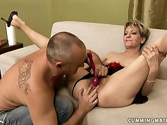 Shabby sex hungry mature gets her bushy twat toyed with vibrator