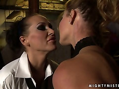 Lascivious bimbo Cindy gets punished in hot scohool durin way