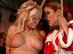 Lascivious bimbo with big tits takes part in hot www porana sex com session