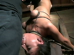 Asian slut Vicki Chase blowjobs while hanging upside down in aunty sexy hd porn sex video