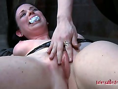 Pretty busty pale skin girl Sybil Hawthorne in her extreme lesbo mom bra underwear sex game