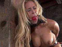 Curvaceous blonde sexpot Cyd Black has a xxx downlaod 3gp game in the basement