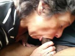 Mature lady knows how to please a man
