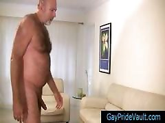 Old gay bear fucking much younger dude part1