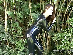 Outdoor latex babe Olivias heels and shiny rubber fetish