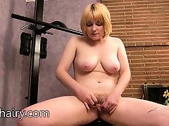 Teddy Snowflower keeps her hairy body in a beautiful shape