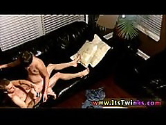 Hot gay sex videos no age or membership required Erik Reese is so
