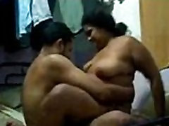 Indian mature maid aunty fucked by woner