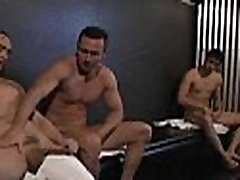 Hunk lances gazoo gap with cock
