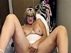 Amateur Hot Mature Masturbates