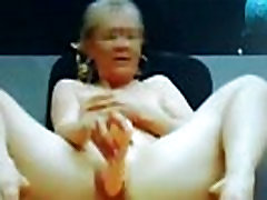 Mum &amp Not Her Daughter Knows About It - SuperJizzCams.com