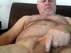 Urso Gostoso Batendo Punheta www.sexopornoadulto.com