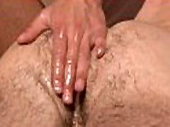Homo massaging