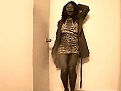 Ebony slut dancing part 1
