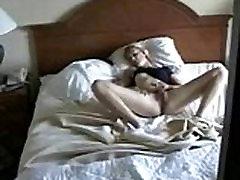 Mielas mama masturbuojantis sugauti bjaurus sūnus. Hidden cam
