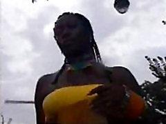 Caribbean MILF Cameltoe!!