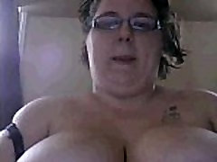 Bugladybug 22 yr old chubby fat bbw plump thick huge big boobs wit glasses fat pussy rub on webcam