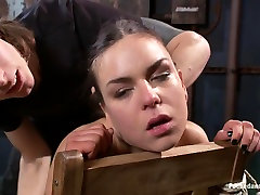 Amazing fetish, sex masseuse9 adult clip with incredible pornstars Juliette March and Owen Gray from Dungeonsex