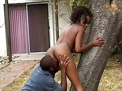 Hardcore Ebony Fucking In The Back Yard