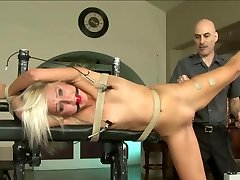 blond sexy kuari garal nindin is worked over 1 of 2