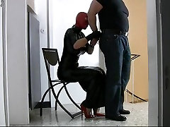Hot sex video with latex catwoman slut doing handjob