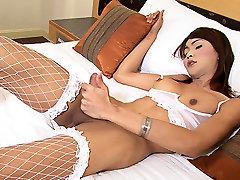 LadyboyGold Video: Lean Ladyboy Lovin&039;