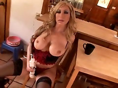 Thick mommy in lingerie lets him play with her pussy