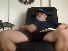 Dad bear cums