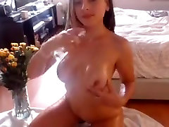 Cute babe hot ass big boobs nipples oiling up