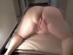 bbw wife masturbates