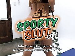 Tight Round Ass Teen Working Out. Perfect Ass, tits and Meaty Pussy