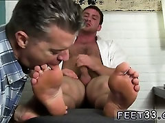 Skinny gay boy foot worship and men kiss Connor Gets Off Twi