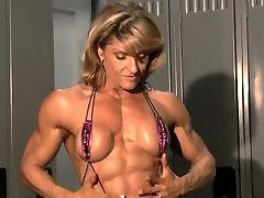 muscle milf in slingshot bikini