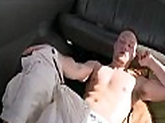 Orall-service with a horny gay stud