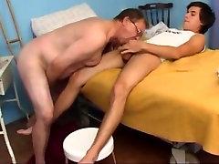Old man fucked by junior boy