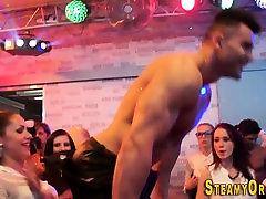 Teens suck at bagalicuda cudi party