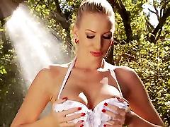 Busty kodeksu karnego Glamour dziewczyna Daniel Maya gorące zbliżenia masturbacja