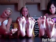 I know you love my pretty little feet