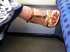 hot mature candid feet in train