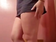 Hot Chubby Girl Spreading her ass