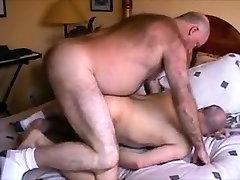 Daddy Bear Breeds Ronnie&039;s Hole