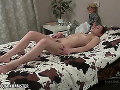Long haired hairy babe Alice rubs her muff