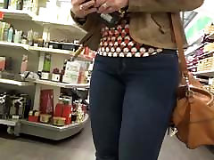 Candid blonde milf in Levis jeans and boots