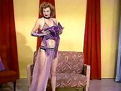 BUSTY TEASE - vintage 50&039;s big boobs