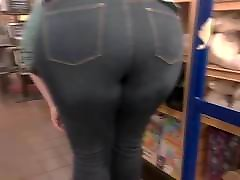 BBW PAWG in TiGHT Jeans BeND PoSe...!!!