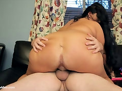 Amateur BBW Aire Fresco Fucks For First Time On Camera