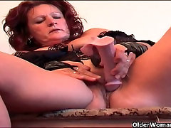 Granny in lingerie gives swollen pussy a treat