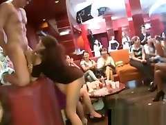CFNM girls suck off navandara sexcom dounlord strippers cock