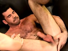 Bear jock toys and fingers ass solo